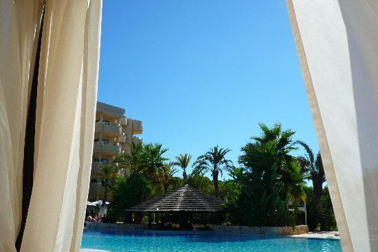 Protur Biomar Gran Hotel & Spa : View of the pool bar from cabana. Bliss.