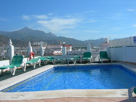 Bajamar: the rooftop pool