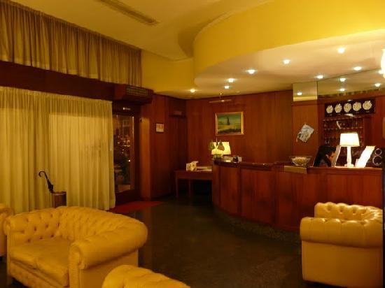 Certosa Hotel: reception