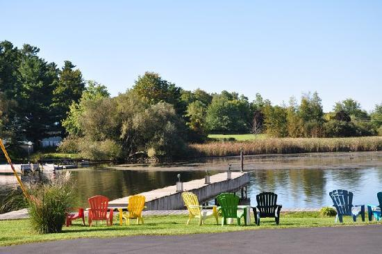 Otter Creek Inn : At the dock
