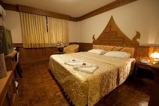 Golden House: Double room
