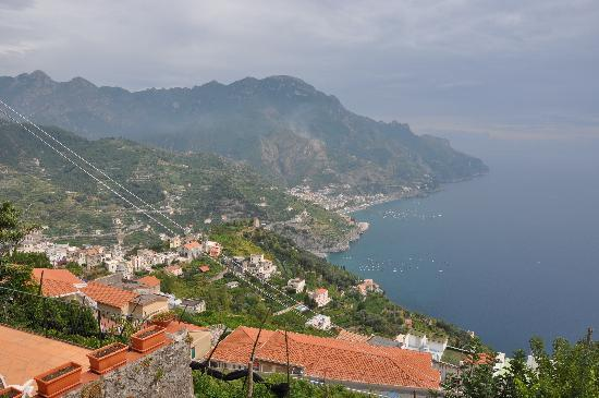 Ravello, İtalya: The view from the apartment.