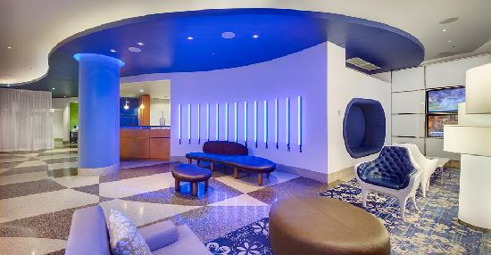 Fairfield Inn & Suites Chicago Downtown/Magnificent Mile: Lobby