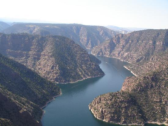 Flaming Gorge Resort : View of Flaming Gorge from Red Canyon Overlook