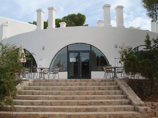 Fiesta Hotel Cala Gracio: Blick auf die Terrasse vom kleinen Pool aus