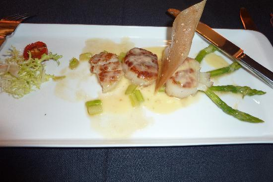 Couleur France: Good scallop starter