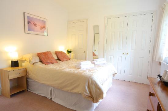 Bridgedown House: Bedroom