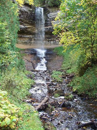 White Pine Lodge: Munising Falls
