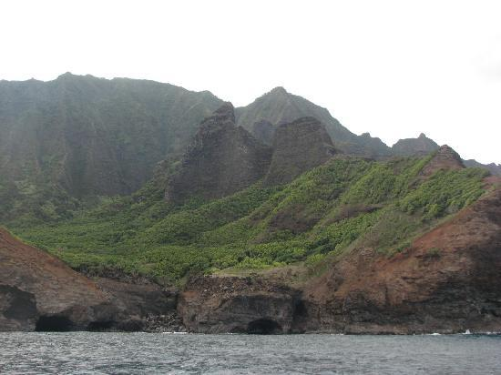 Nā Pali Coast State Park: view from boat
