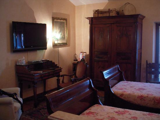 B&B Monteverdi: The Bedroom/ sitting room