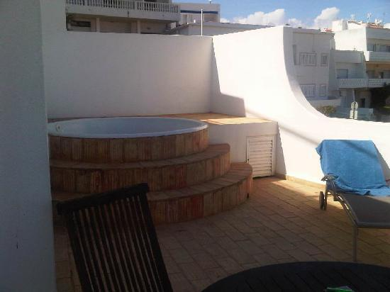 jacuzzi on balcony picture of belver boa vista hotel spa albufeira tripadvisor. Black Bedroom Furniture Sets. Home Design Ideas