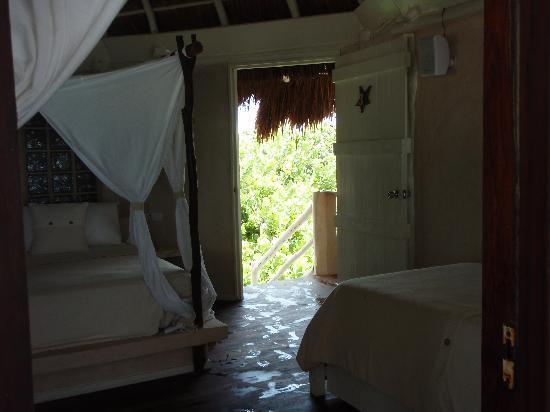 Villa Las Estrellas: king bed and single bed upper suite