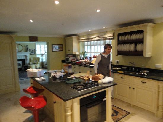 Weir Haven : Kathleen in her kitchen