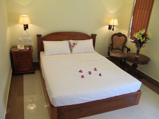 Golden House International: great beds