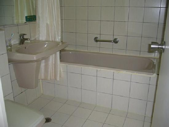 Keymans Hotel: Bathroom
