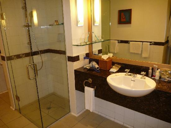 Sheraton Denarau Villas: Two Bedroom Villa - bathroom