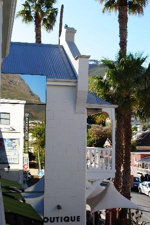 Hippo Boutique Hotel: Table Mountain & Signal Hill view from Hippo
