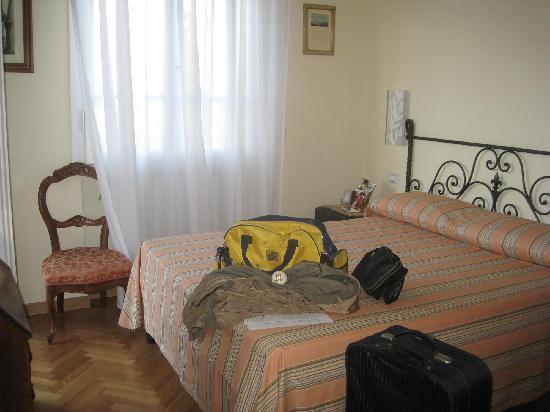 Hotel David: Single room for double use (no. 22)