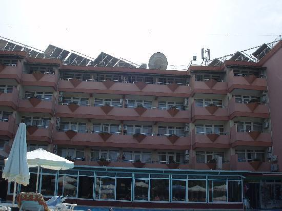Linda Hotel: achterkant hotel