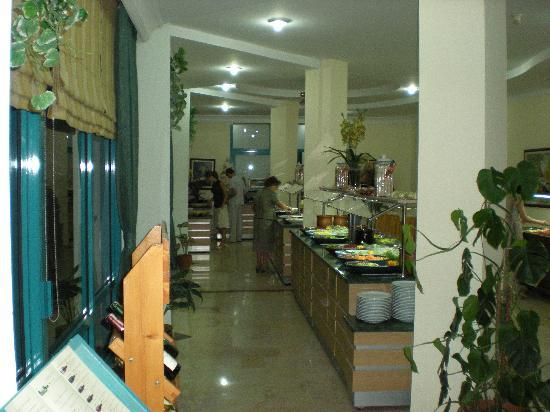 Tropikal Hotel : good food, well organized