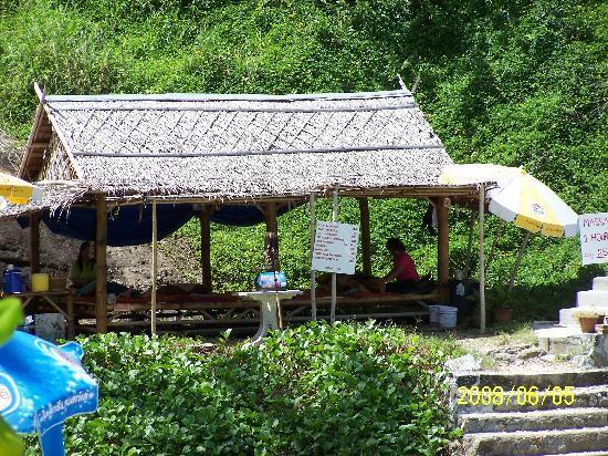 Phuket Marriott Resort & Spa, Merlin Beach: massage huts on beach