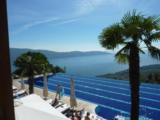 Lefay Resort & Spa Lago di Garda : View from the Lane Infinity pool - blissful