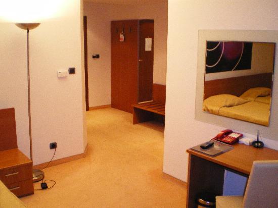 BEST WESTERN Hotel Europe: Zweibettzimmer mit Vorraum