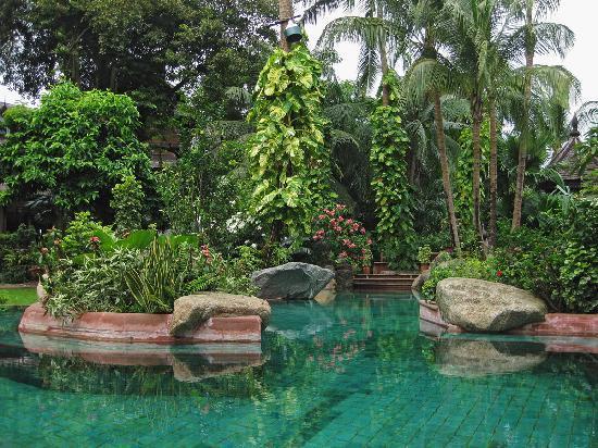 The Kandawgyi Palace Hotel: Garden