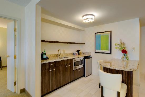 Hampton Inn & Suites Chicago - Downtown: All suite rooms include a kitchen area