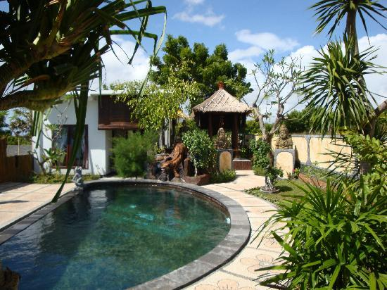 Mimpi Bali: Hotelanlage mit Swimmingpool