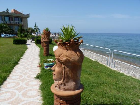 Santo Stefano di Camastra, Italia: Vue du restaurant