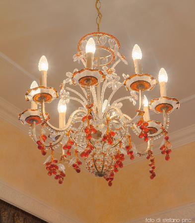I Tre Moschettieri Luxury Guest House: Particolare - Lampadario