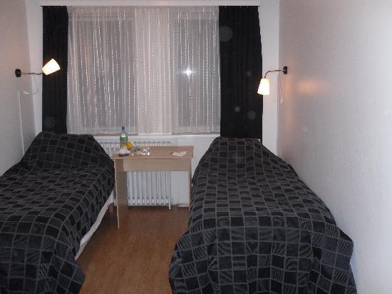 Metropolitan Hotel: our room
