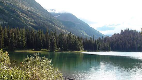 Trail around Many Glacier Hotel lake