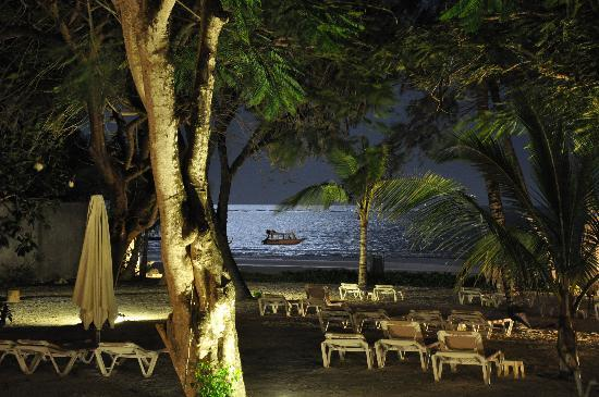 Baobab Beach Resort & Spa: Ocean View at Night