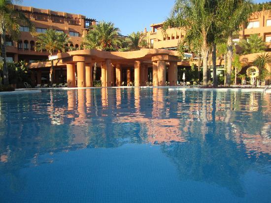 Royal Hideaway Sancti Petri, part of Barcelo Hotel Group: piscina superior