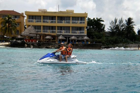 Cozumel Cool Sports : On the wave runner