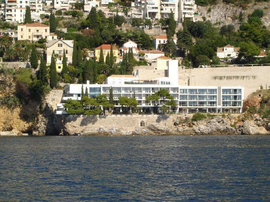 โรงแรมวิลล่าดูโบรฟนิค: The hotel from the sea