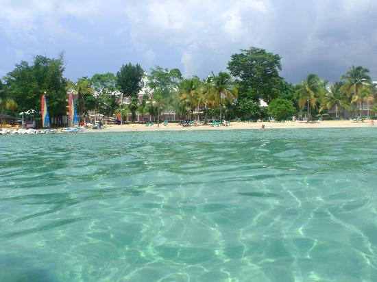 Negril, Jamaika: Beautiful water off the beach of Riu Palace hotel