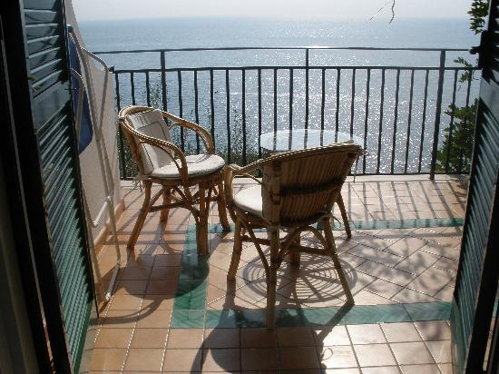 Santa Caterina Hotel : view from second room (4)