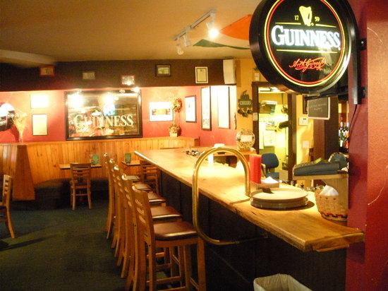 Murphy's Irish Pub & Rockwater Restaurant: Pub