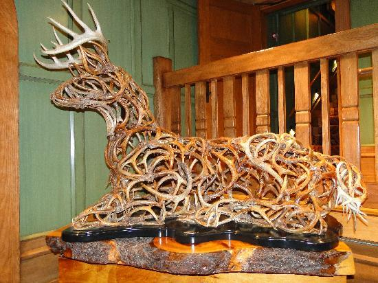 Lake Placid Lodge: reindeer made from twigs