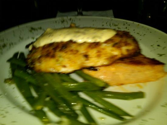 Dantanna's: Grouper with string beans & Gritts