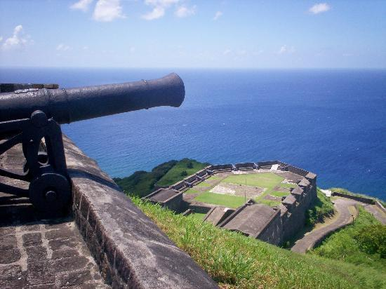 Basseterre, Saint-Christophe : The fort at Brimstone Hill