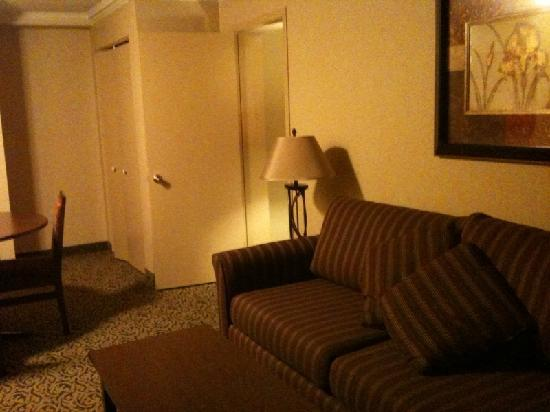 Quality Inn & Conference Centre : living room