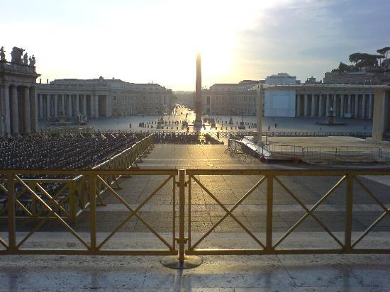 Vatican - Bed & Breadfast: Piazza di  San Pietro vista dalla zona