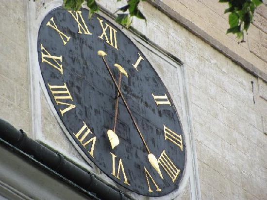 Church of St. Lawrence (Sv. Vavrince) : clock