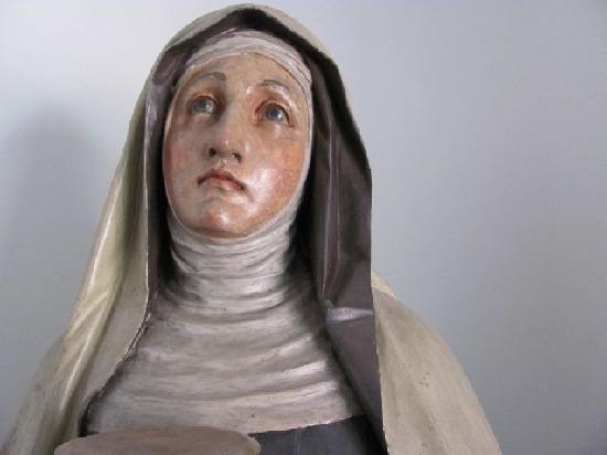 St. Gertraud: sculpture