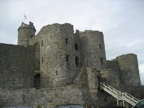 The Victoria Inn: Harlech Castle - about 20 mins from Llanbedr