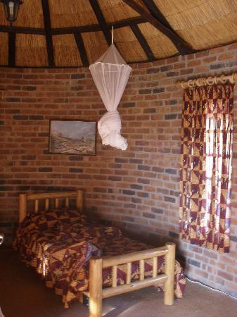 Southern Comfort Lodge: Room (in the guest house)
